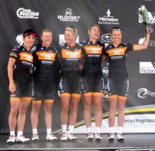 The Wiggle women at Bay Crits - pro length for women