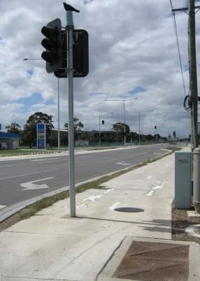More poles on a path, Altona